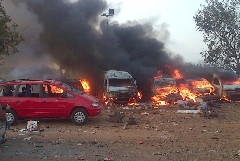 la-fg-wn-nigeria-blast-bus-station-20140414-001.jpg