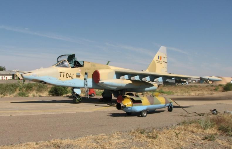 Chad_Air_Force_Sukhoi_Su-25_at_N'djamena_Airport_(2)