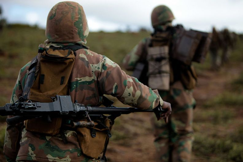 800px-South_African_National_Defense_Force_soldiers_on_their_way.jpg