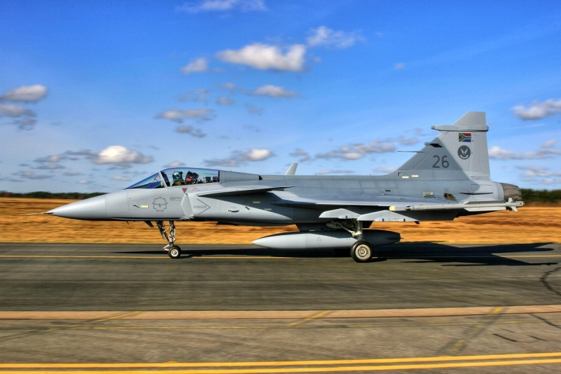saab-39c-gripen-26-south-african-air-force-ronneby-ab-rnb-esdf.jpg