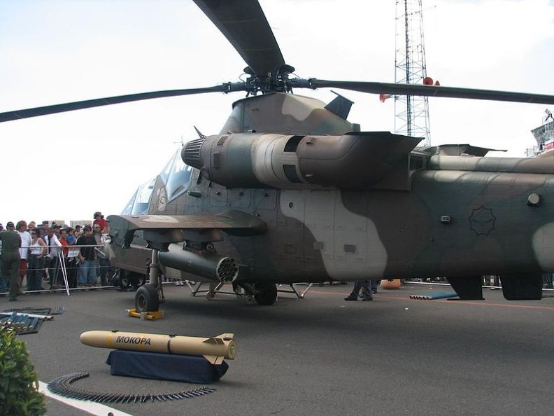 800px-Rooivalk_Attack_Helicopter_(2).jpg